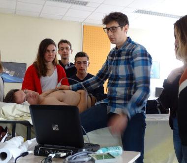 Echographie clinique en médecine d'urgence (ECMU)
