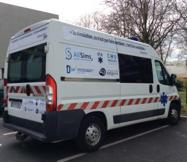Une ambulance All'Sims